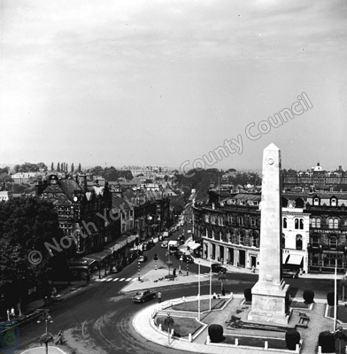 War Memorial and Parliament Street, Harrogate